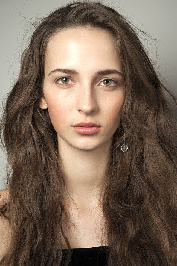 runway beauty, no mascara look, natural