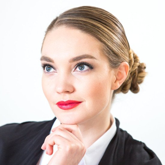 #Girlboss Professional Makeup Look