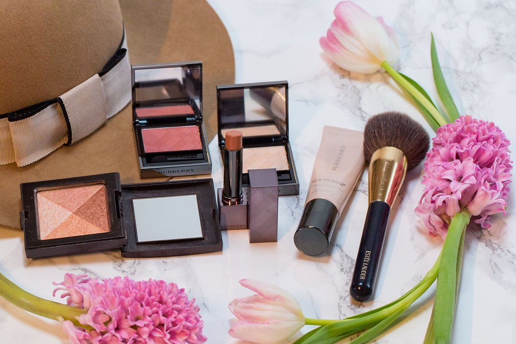Products used by Klava Z Ottawa makeup artist to create Effortless Bronzed makeup look for a casual weekend brunch with girlfriends that is focused on bronzed glow, soft pink eyeshadows and nude lips.