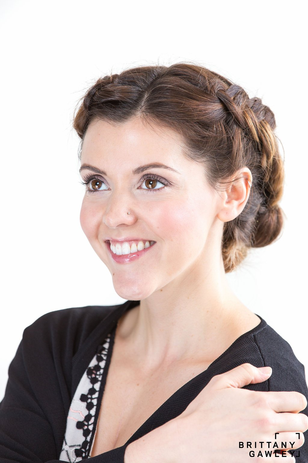 Ottawa makeup artist Klava Z created a casual neutral eco makeup look using only natural organic products
