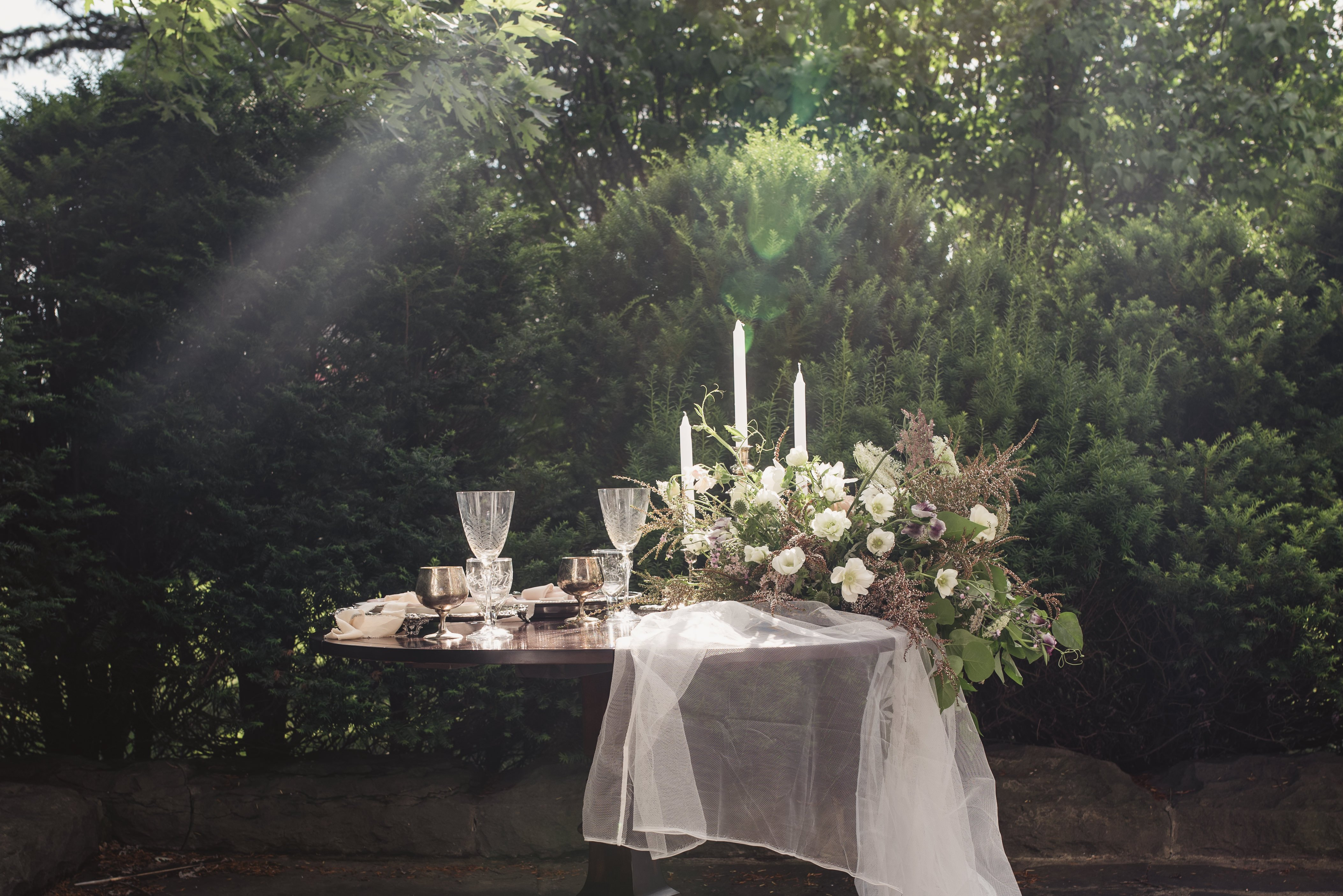 beautiful wedding table set up by Gloss Events and Decor Ottawa